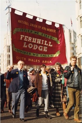 Fernill Lodge march with banner [Norman Burns]