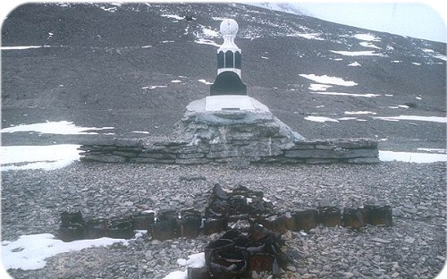 Monument to the Franklin Search expeditions, Beechey Island